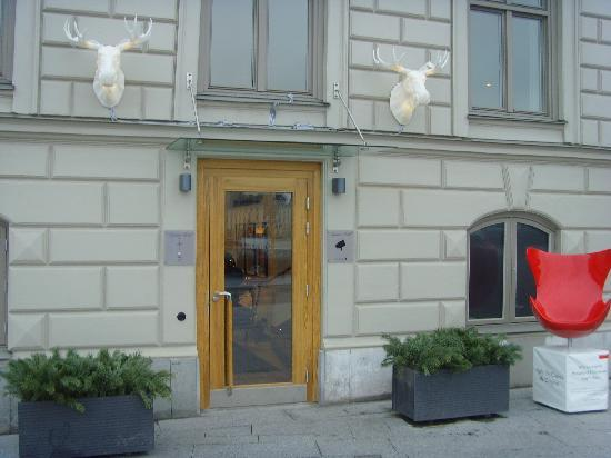 Lydmar Hotel: Entrance