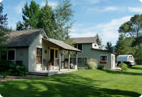 Photo of Yellowstone River Inn Cabins Livingston