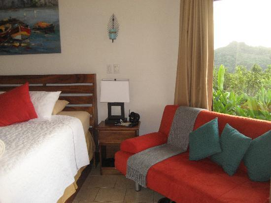 Tulemar Bungalows & Villas: Bedroom (one bedroom suite)