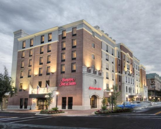 Hampton Inn & Suites Gainesville-Downtown: Welcome to our NEW Hampton Inn & Suites Gainesville Downtown