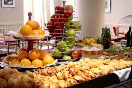 Continental Buffet Breakfast Charges Apply In The Hotel S Breakfast Room Caff 233 Buongiorno H