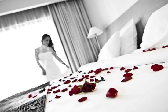Le Meridien St. Julians: Wedding preparation in Executive Suite