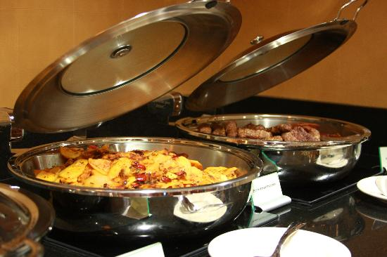 Crowne Plaza Hotel Paramus : Crowne Plaza Paramus with Bonefish Grill On-Site 