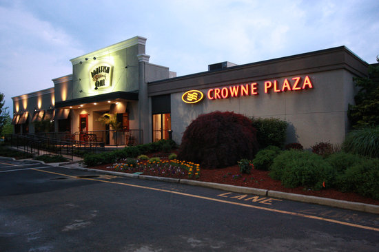 Crowne Plaza Hotel Paramus : Crowne Plaza Paramus - With Bonefish Grill On-Site 