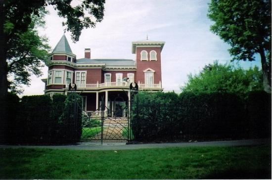 Bangor, ME: Stephen King's House (ME)