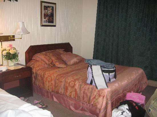 Fitzgeralds Motel : Double queen room