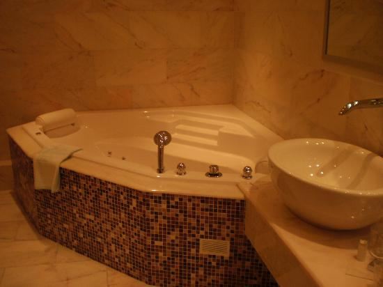 Horbourg Wihr, France: Incontournable jacuzzi