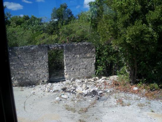 Eleuthra Hurricane Damaged House Picture Of Eleuthera Out Islands Tripadvisor