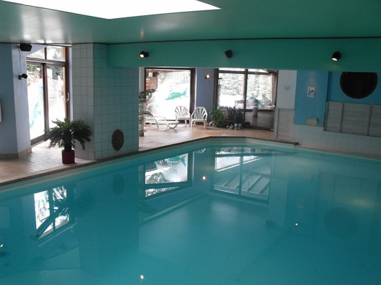Hotel du bois les houches france hotel reviews for Piscine du rhone