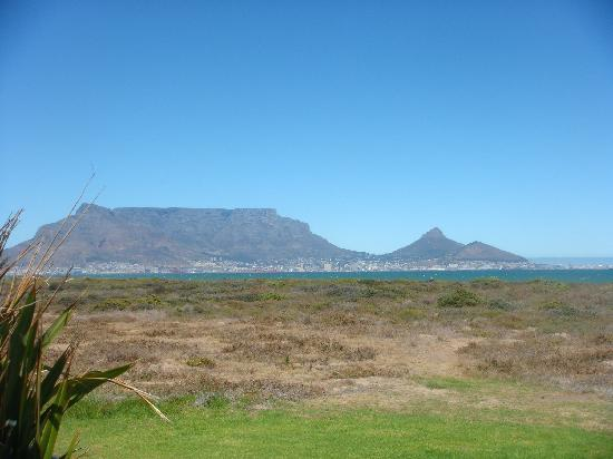 Atlantic Palms Luxury Guesthouse: View of table mountain