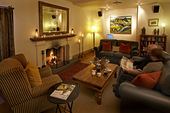 Browns Boutique Hotel: Cosy guest lounge