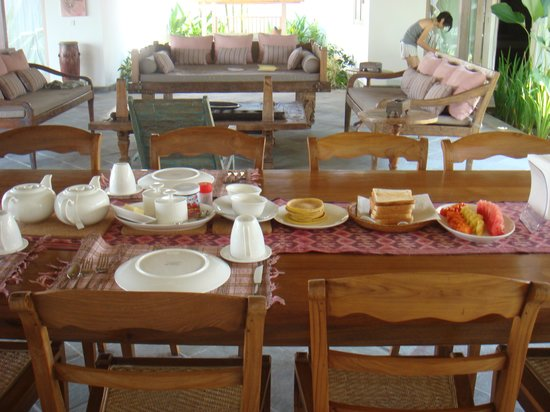 Villa Damai: breakfast!