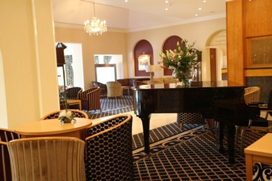 Carlton Park Hotel: Lounge