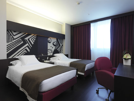 Crowne Plaza Hotel Milan City: Hotel Room