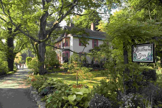 Hawthorne Inn: Relaxed Elegance-