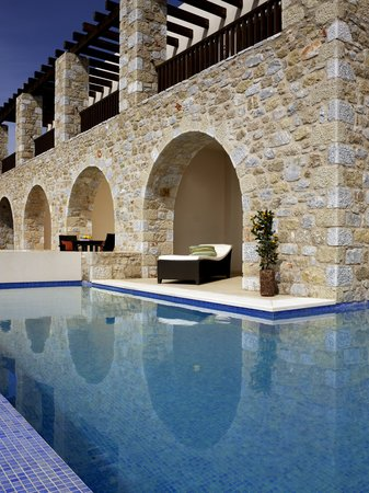 The Westin Resort, Costa Navarino: The Westin Resort, Infinity Pool
