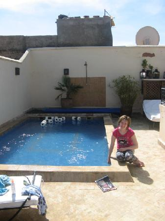 Riad Les Trois Mages: Lovely and warm pool
