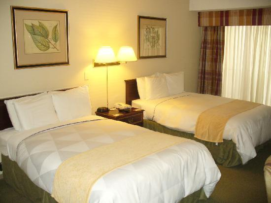 Radisson San Jose Airport: Room-Double Beds
