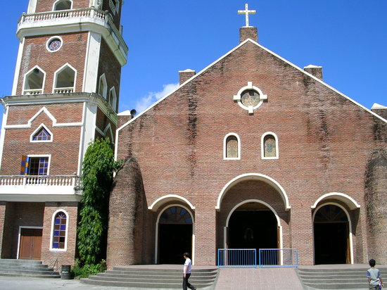Tuguegarao City, Filippinerne: Shrine of Our Lady of Piat, Cagayan Valley