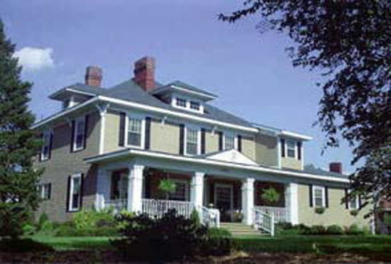Fox Manor Historic Bed & Breakfast: You Deserve to Experience Fox Manor