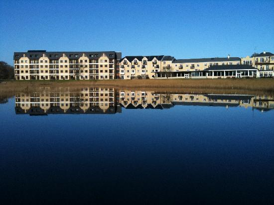 View of the hotel picture of lake hotel killarney - Lake hotel killarney swimming pool ...