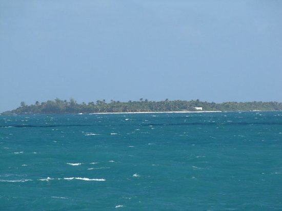 Carolina, Puerto Rico: Check out the color of the water!