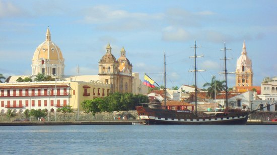 Cartagena, Kolumbien: View on Old Town from harbour