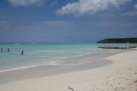 Cades Bay, Antigua: runaway beach
