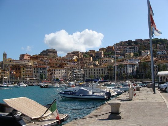 Porto Santo Stefano, Italie : C beau en ST 