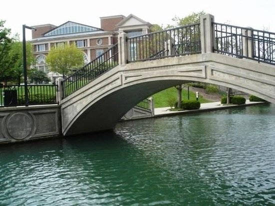 Indianapolis, IN: The White River Canal is pretty. :-)