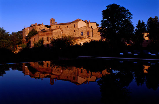 Castel Monastero