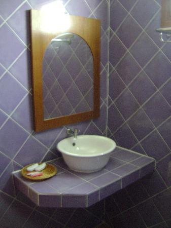 Phi Phi Anita Resort: Detail from the bathroom