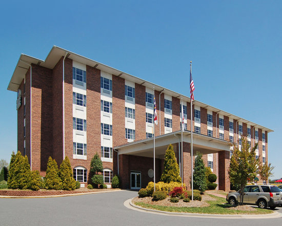 Photo of Comfort Suites Pineville