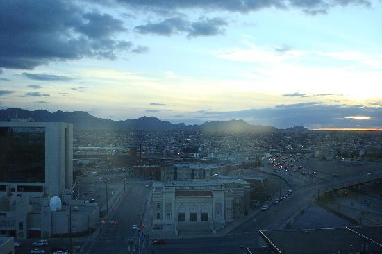Doubletree Hotel El Paso Downtown/City Center: View from our hotel room, I thought it was nice!
