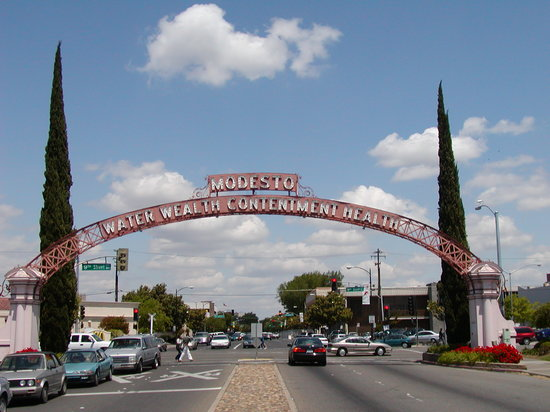 The Modesto Arch
