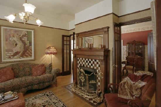 A Painted Lady Inn: The Sitting Room