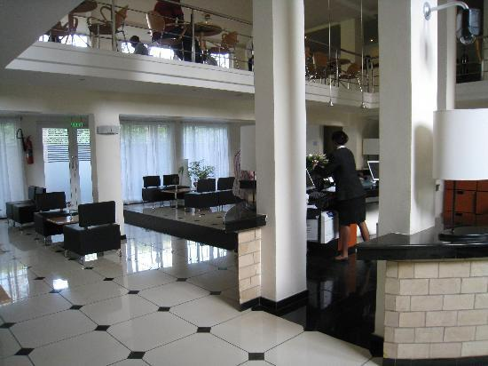 Country Lodge: Lobby