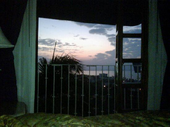 Villa Bella Bed and Breakfast Inn: The sunrise I enjoyed from my bed