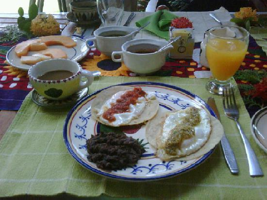 Villa Bella Bed and Breakfast Inn: Rosa´s wonderful breakfast