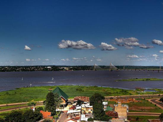 Puente Posadas / Encarnacin (Paraguay), ro Paran.