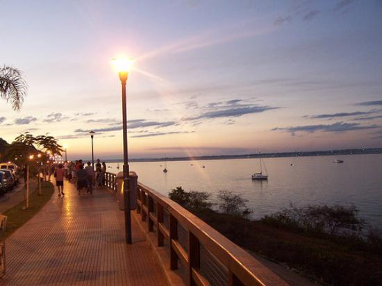 Costanera sobre ro Parana - Posadas