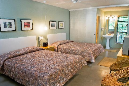 Wimberley, Τέξας: Room w/Concrete Floors - only 2 of 21 rooms