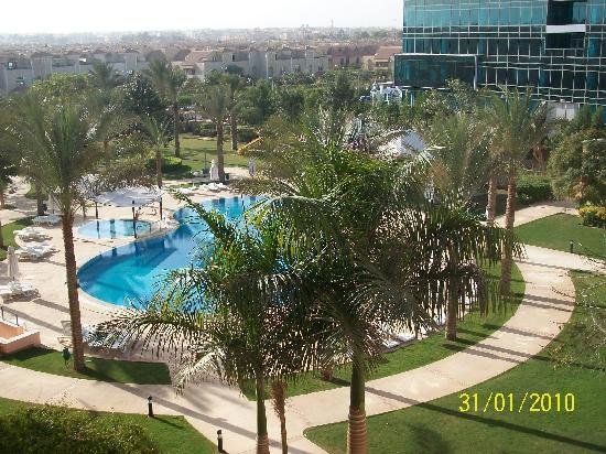 Novotel Cairo 6th Of October: The pool