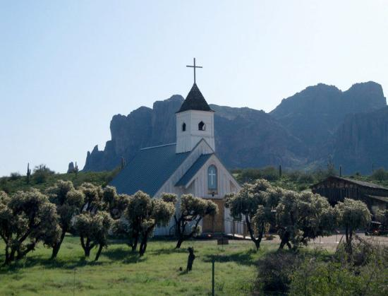 Apache Junction, AZ: Small church at the foot of Superstition Mountain