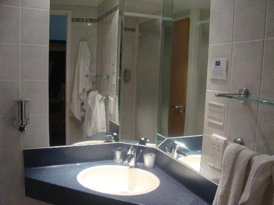 Bath Cathedral Picture Of Holiday Inn Express Bath Bath Tripadvisor