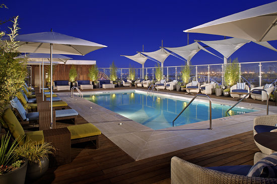 Hyatt The Pike Long Beach: Rooftop Pool Terrace