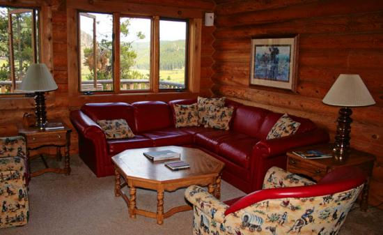 Paradise Guest Ranch: Paradise Ranch Cabin Interior View