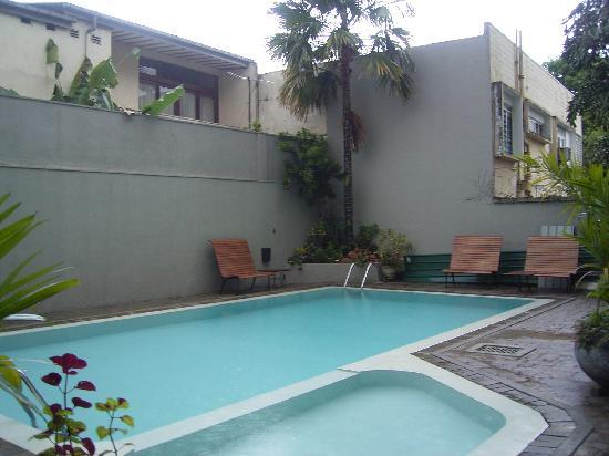 Janaki Hotel: Pool