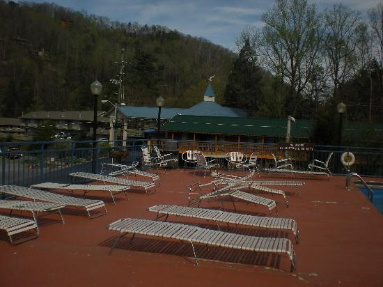 Howard Johnson Inn Gatlinburg Downtown: Deck