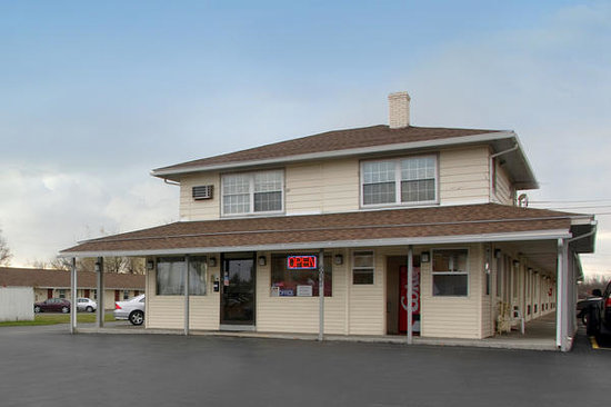 America&#39;s Best Value Inn and Suites Farmington: Exterior Photo